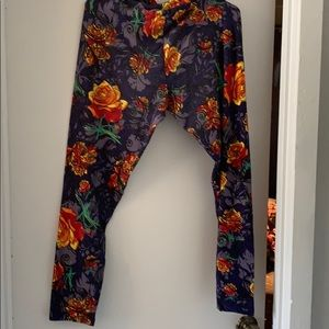 Lularoe buttery soft TC leggings.